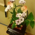 人形町今半 - お部屋のお花!こっちからも!