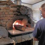 檪の丘 - くぬぎの薪で焼く石釜ピザとパスタのお店。