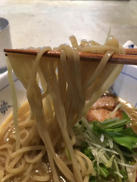 名前のないラーメン屋 - 平打ちストレート麺