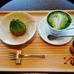 53043559 - 『ホット抹茶ラテ』(530円)と『季節のモンブラン』(500円)~♪(^o^)丿