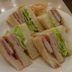 サー・トーマス・リプトン - クラブハウスサンドイッチ(1080円)