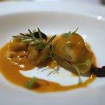 53045253 - リコッタチーズのトルテニーニ、オマールエビのソース
