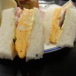 キャロル - 肉厚の玉子焼きサンド