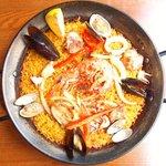 コメリトマル - 魚介と鶏肉のMIXパエリア 1200円