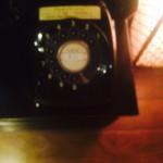 53048027 - 黒電話懐かしい。