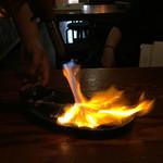 53051042 - シメサバをバーナーで炙る!!