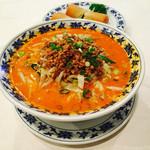 重慶飯店 - 担々麺と季節限定の春巻