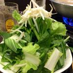 草鍋えんや - 料理写真:看板メニューの「草鍋」はこれで半人前。2人で一人前が標準的な頼み方。