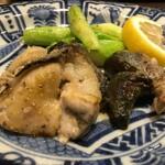 う越貞 - 徳島の鮑の肝と牡蛎のバター焼き