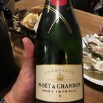 貝グリル&ワイン 東京シェルモアナ - モエ安し¥8000だっけか