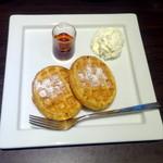 オスロ コーヒー - モーニングAセット(500円)の北欧ワッフル
