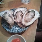 かき小屋鳥羽水産 - 焼き牡蠣