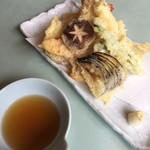 東鮓本店 - 天ぷらと汁