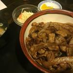 平さんのお店 - しょうが焼き丼(930円)