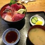 海鮮料理 みはる - 「海鮮丼」(1500円)