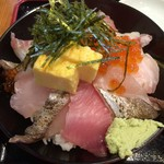 魚旬 - 魚屋の海鮮丼