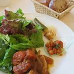 サロン・ド・テ ペシェ・ミニョン - 豚肩肉のプロバンス風煮込み