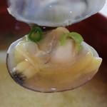 ワイズ - 味噌汁のアサリ