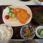 豊島鮮魚 - 料理写真:アジフライ定食
