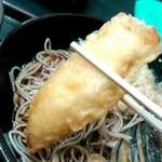 ゆで太郎 - お汁を吸った鶏天が美味しいです。