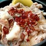 ゆで太郎 - 豚丼には、辛みを足してみました。