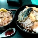 ゆで太郎 - 冷鶏天おろし蕎麦と、ミニ豚丼にしてみました。