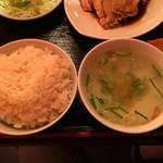 シンガポール料理 梁亜楼 - ライスとスープ