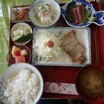 あかね - 料理写真:本日のランチ ポークソテー定食 600円