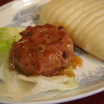 四川料理 名菜楼 - 長芋団子の中華パン添え