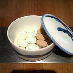 俵屋吉富 - 俵型のお砂糖です。