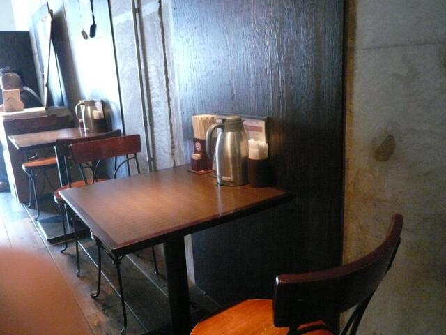 時屋 - テーブル席