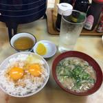 成金屋食堂 - 豚汁と玉子かけご飯
