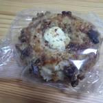 麦工房 くるみの木 - 料理写真:塩パンくるみ