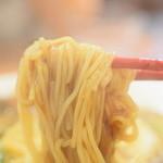 万豚記 - 麺は細い中華麺