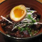 鶏専門 日向暁荘 - 黒のぼっかけ丼