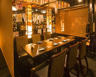 九州料理みこと 立川店 - 6名様用テーブル席