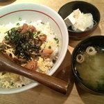 浅草銀鯱 - 鶏そぼろと照り焼き丼(早割丼)