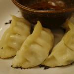 琉球湯麺831 - 「タンギョー」のギョウザ