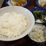 かかし - 昼の定食(ご飯・お浸し・漬物)