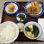 かかし - 昼の定食(魚のフライ)
