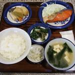かかし - 昼の定食(焼魚 鮭)