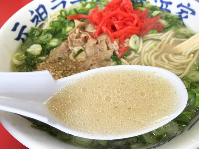 元祖ラーメン長浜家 - スープは、「おー、イーネ!このシャバシャバ感♪」