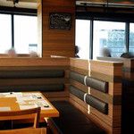 はまぐり庵 - 店内どのお席からでも28階からの眺望を眺められるひな壇型の設計