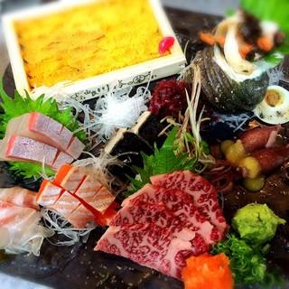 鮮魚を使った海鮮料理に自信。一押しの逸品は<刺し盛り>