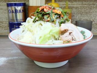 ラーメン二郎 横浜関内店 - 小ラーメン+ニラキムチ+やさいにんにく
