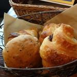 カフェ ガーブ - ランチのパン(食べ放題)