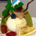 SANTA CAFE - パスタAセット(¥1,830) ゆるぎない特製デザート フルーツとアイスのプレート