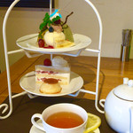 SANTA CAFE - パスタAセット(¥1,830) ゆるぎない特製デザート、紅茶
