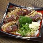 藁焼き鰹たたき 明神丸 - タレたたき丼