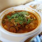 自然派カフェ 米野かりぃ堂 - 有機完熟トマトの鶏キーマ+野菜、チキン、シーフード